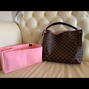 💕Authentic Louis Vuitton Caissa Hobo Ballerine💕
